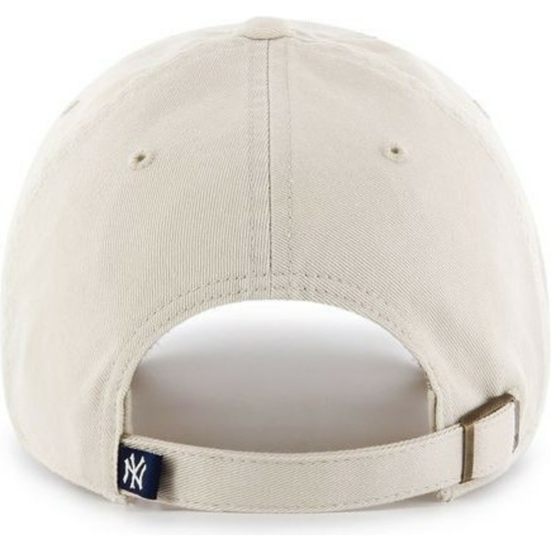 Gorra curva crema de New York Yankees MLB Clean Up de 47 Brand ... 2dd787765b2