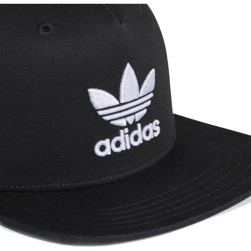 Gorra plana negra snapback Trefoil de Adidas  comprar online en ... 98abfd3e835