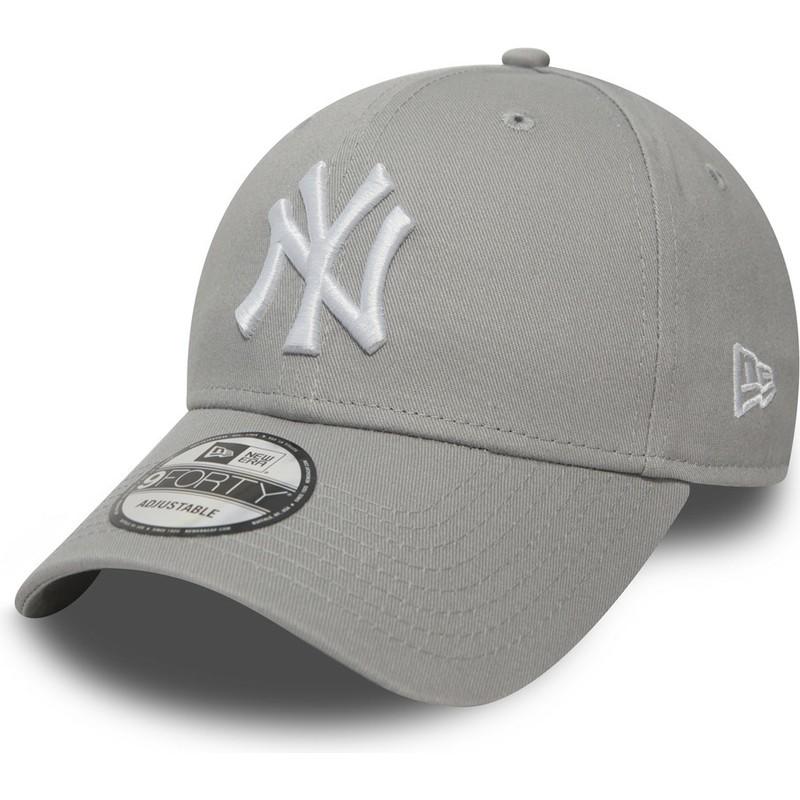 f95d383f461b9 Gorra curva gris ajustable 9FORTY Essential de New York Yankees MLB ...