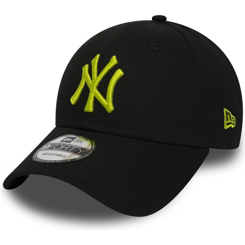39740b0d94764 Gorra curva negra ajustable con logo verde 9FORTY Essential de New ...