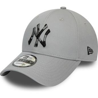 Gorra curva gris ajustable con logo camuflaje 9FORTY Camo Infill de New York Yankees MLB de New Era