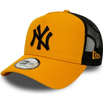 Gorra trucker naranja con logo negro League Essential A Frame de New York Yankees MLB de New Era