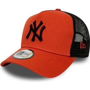 Gorra trucker roja con logo negro League Essential A Frame de New York Yankees MLB de New Era