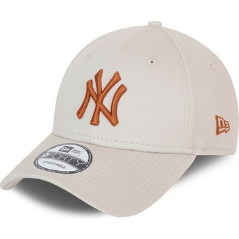 Gorra curva beige ajustable con logo marrón 9FORTY League Essential de New York Yankees MLB de New Era