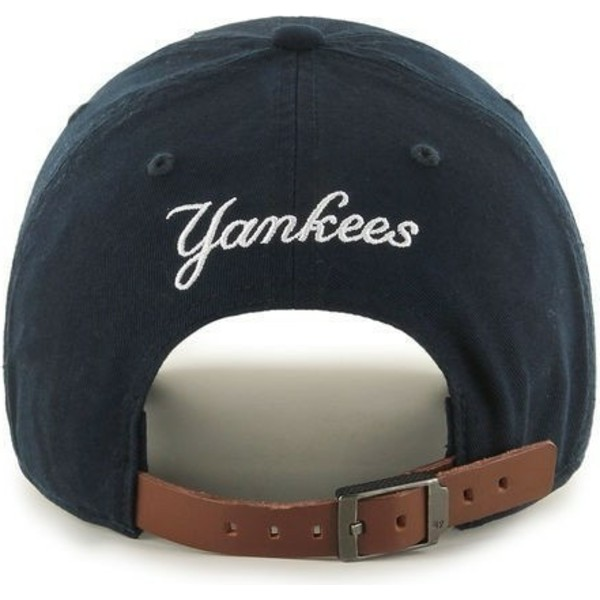 gorra-curva-azul-marino-con-logo-pequeno-de-new-york-yankees-mlb-clean-up-de-47-brand