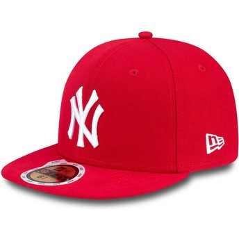 Gorra plana roja ajustada para niño 59FIFTY Essential de New York Yankees MLB de New Era