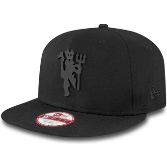 Gorra plana negra snapback 9FIFTY Black on Black de Manchester United Football Club de New Era