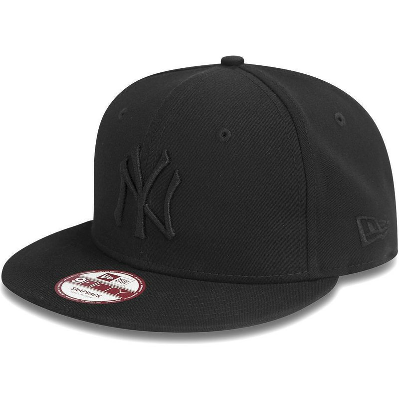 d38c6bcfa84e3 Gorra plana negra snapback 9FIFTY Black on Black de New York Yankees ...